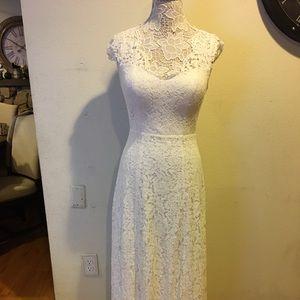 ModCloth Liza Luxe Lace Wedding Dress, Small